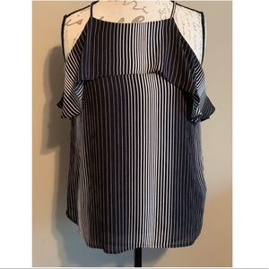 An Taylor top size M